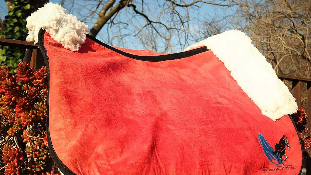 Horse blanket breathable fast drying
