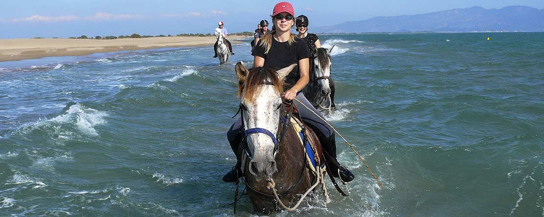 Refresh in sea on horseback Costa Brava
